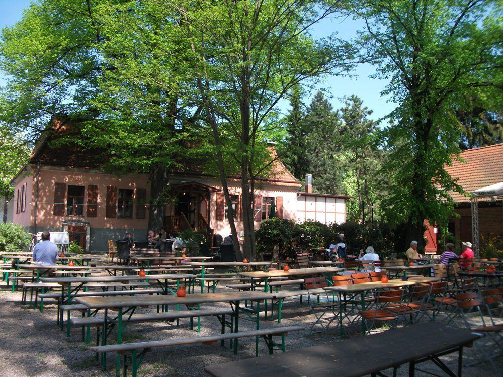 Berlin Cafe Fehrbelliner Platz