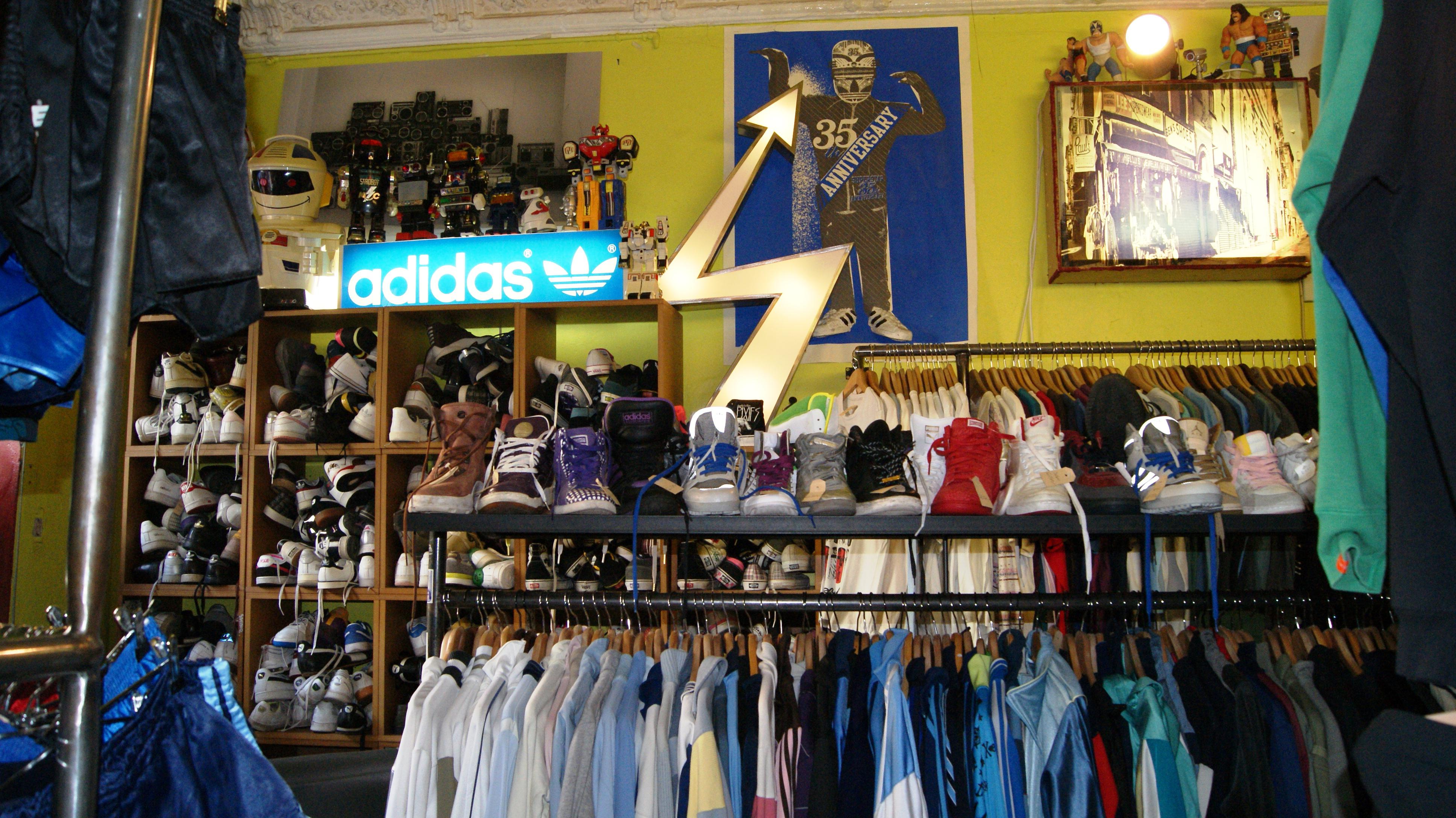 Second hand stores paul s boutique top10berlin for Second hand mobel kaufhaus berlin