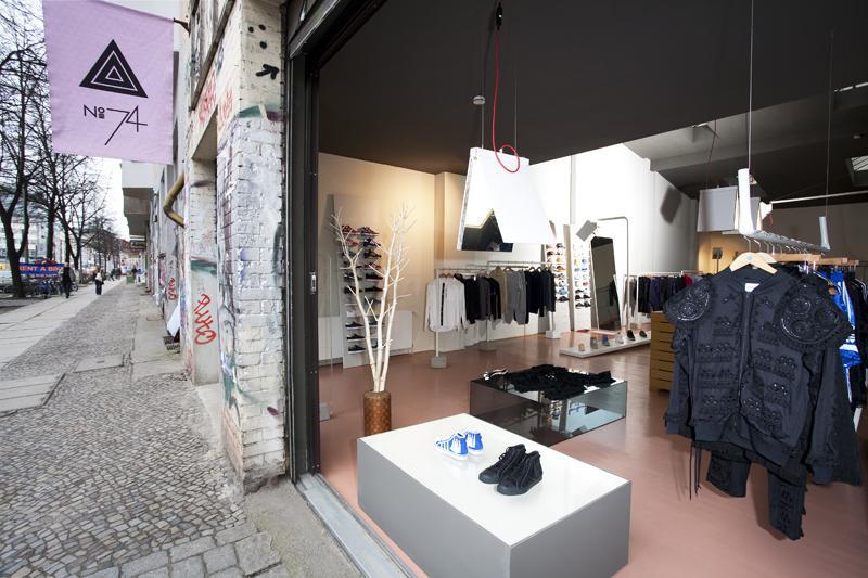 no74 berlin sneaker shops top10berlin. Black Bedroom Furniture Sets. Home Design Ideas