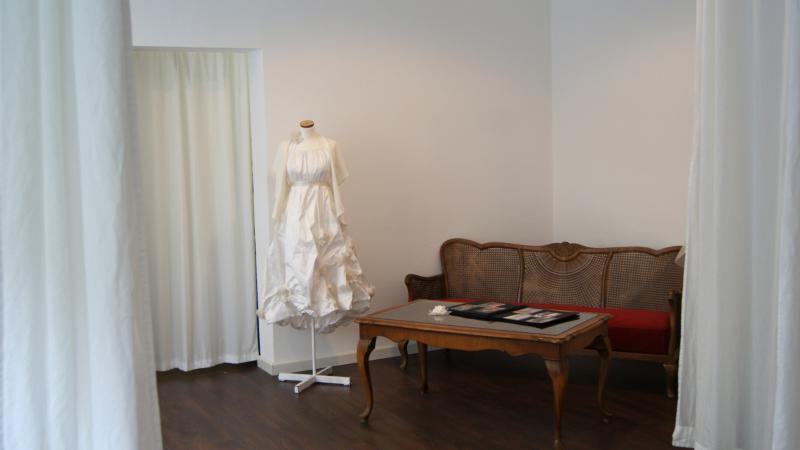 Braut und abendmode anne wolf brautmode und for Ann wolf interior decoration