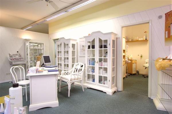studio wellness gegen cellulite top10berlin. Black Bedroom Furniture Sets. Home Design Ideas