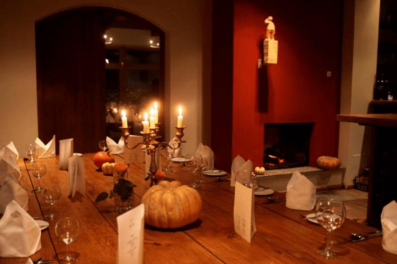 Chalet suisse restaurants with fireplace top10berlin for Kaminzimmer modern einrichten