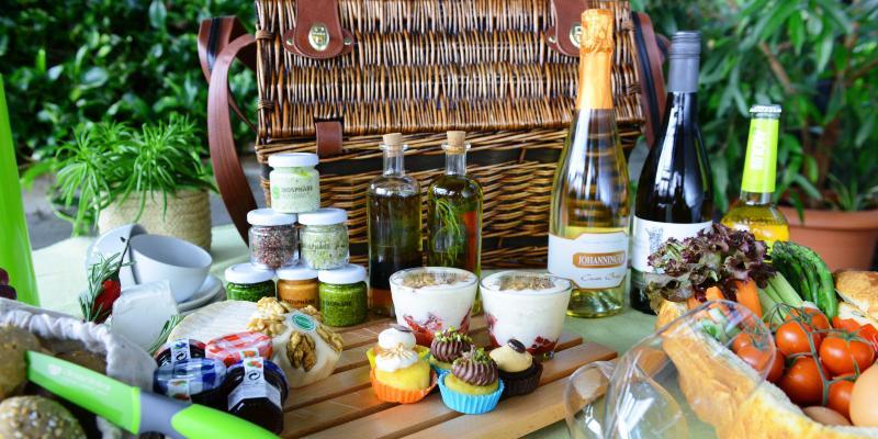 picknick in der biosph re potsdam picknickpl tze top10berlin. Black Bedroom Furniture Sets. Home Design Ideas