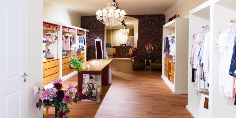 nouvelle dessous dessous und exklusive w sche top10berlin. Black Bedroom Furniture Sets. Home Design Ideas