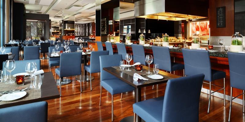 Midtown grill steak restaurants top10berlin for Trendige hotels berlin