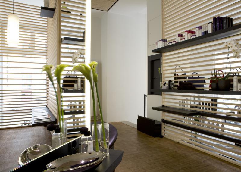 friseur dennis creuzberg promi friseure top10berlin. Black Bedroom Furniture Sets. Home Design Ideas
