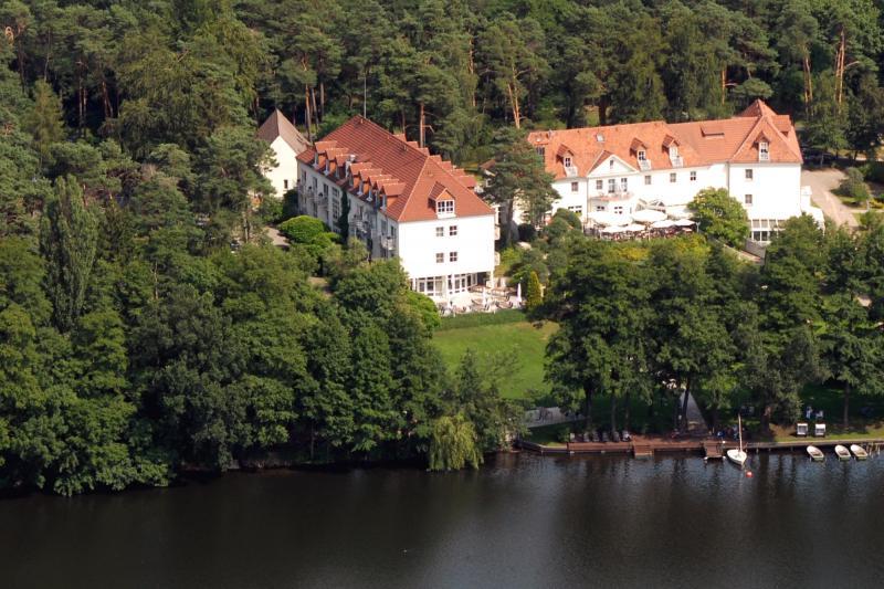 Hotel residenz motzener see hotels am wasser in for Trendige hotels berlin