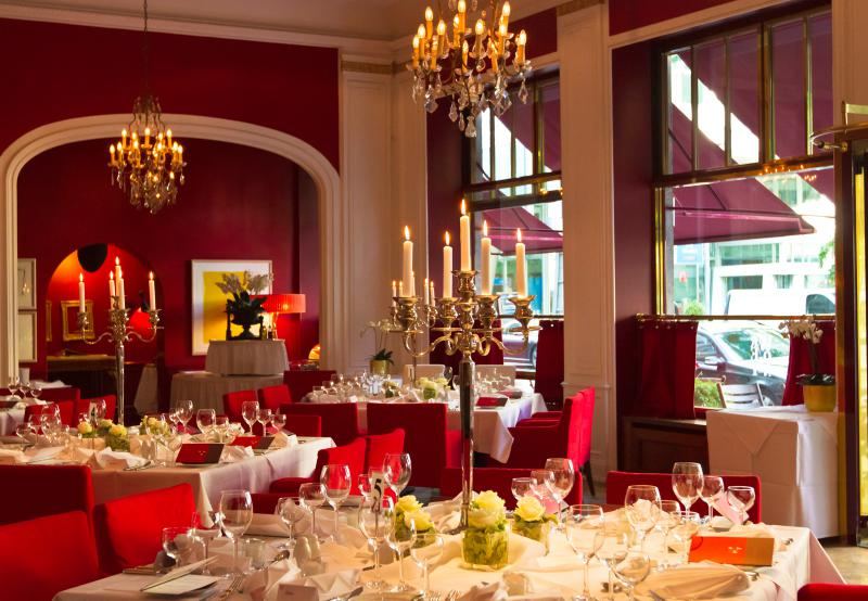 restaurant weinrot candle light dinner f r verliebte top10berlin. Black Bedroom Furniture Sets. Home Design Ideas