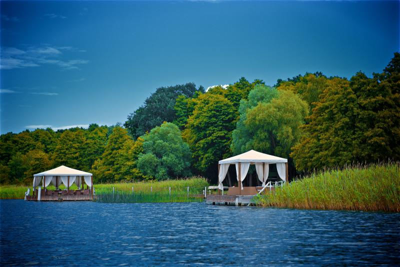 Panoramahotel am oberuckersee hotels am see und am for Trendige hotels berlin