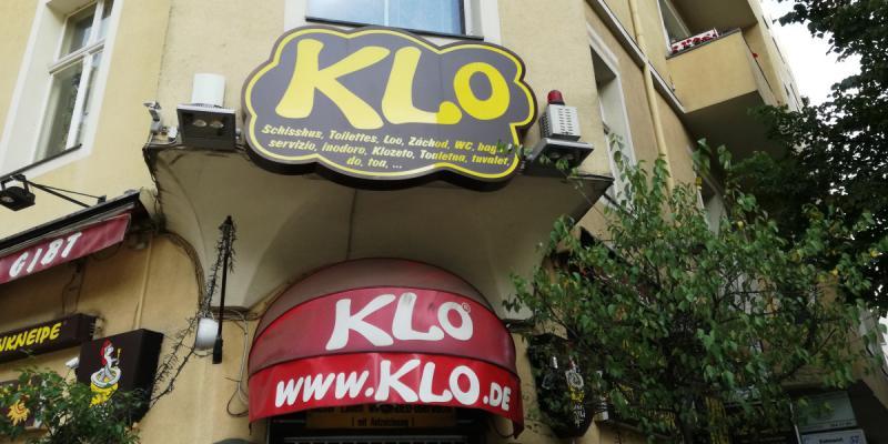 A Visit At The Cult Pub Klo Fun Activities Top10berlin