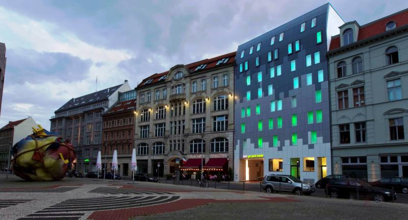 Gat point charlie designhotels top10berlin for Top 10 design hotels