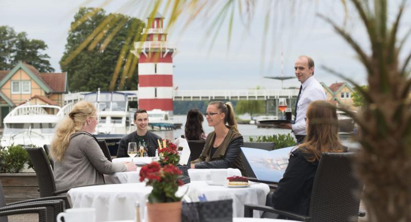 Maritim hafenhotel rheinsberg waterfront hotels in for Designhotel brandenburg