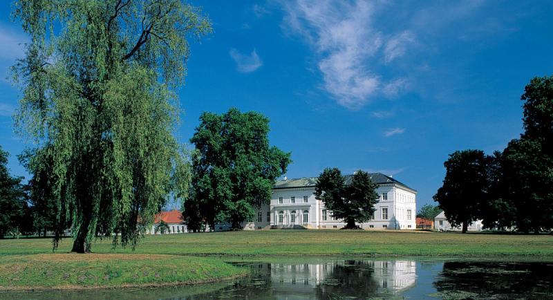 Schloss neuhardenberg schlosshotels mit wellness in for Trendige hotels berlin