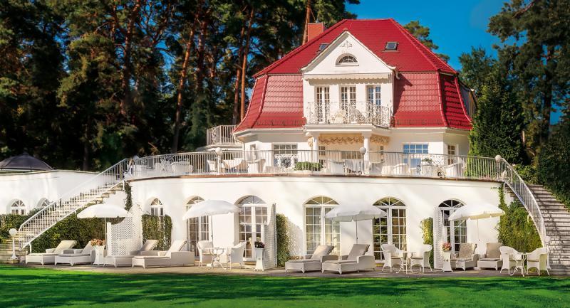 Villa contessa schlosshotels mit wellness in brandenburg for Trendige hotels berlin