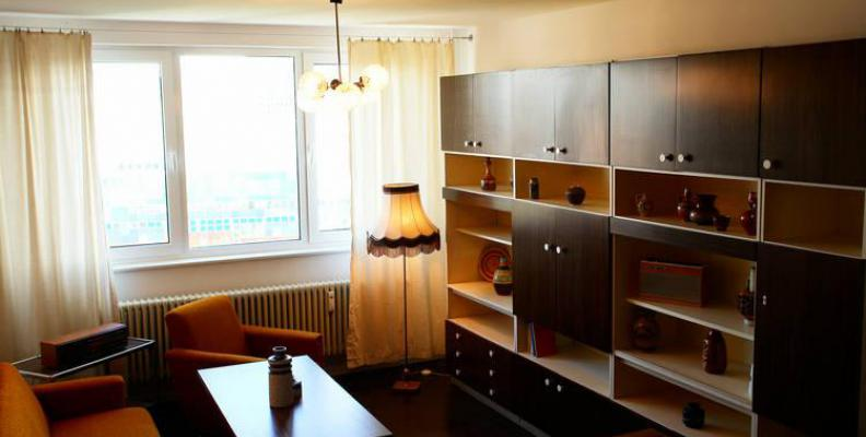 ostel besondere hotels top10berlin. Black Bedroom Furniture Sets. Home Design Ideas