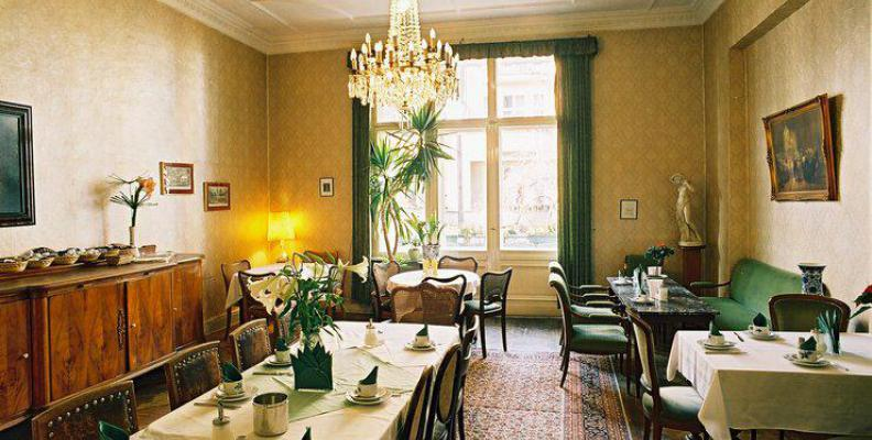 Hotel pension funk besondere hotels top10berlin for Besondere hotels berlin