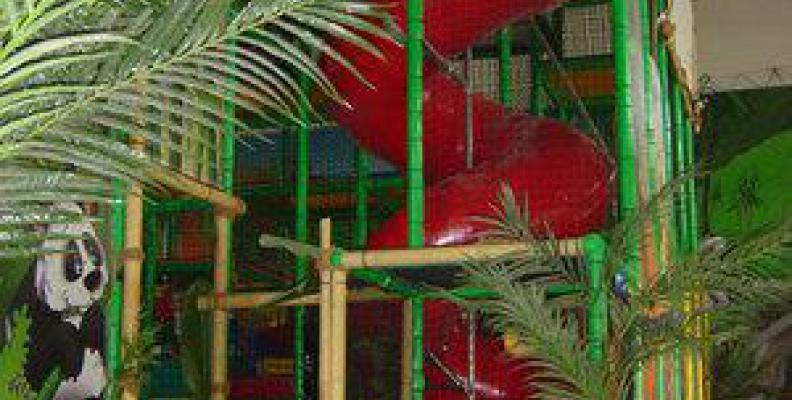bamboo land indoor playgrounds top10berlin. Black Bedroom Furniture Sets. Home Design Ideas