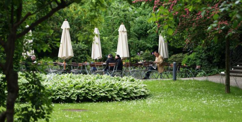 caf restaurant wintergarten im literaturhaus fr hst ck im gr nen top10berlin. Black Bedroom Furniture Sets. Home Design Ideas
