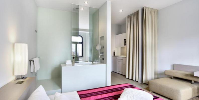lux 11 design and boutique hotels top10berlin. Black Bedroom Furniture Sets. Home Design Ideas