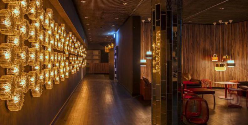 avenue club im caf moskau black music partys top10berlin. Black Bedroom Furniture Sets. Home Design Ideas
