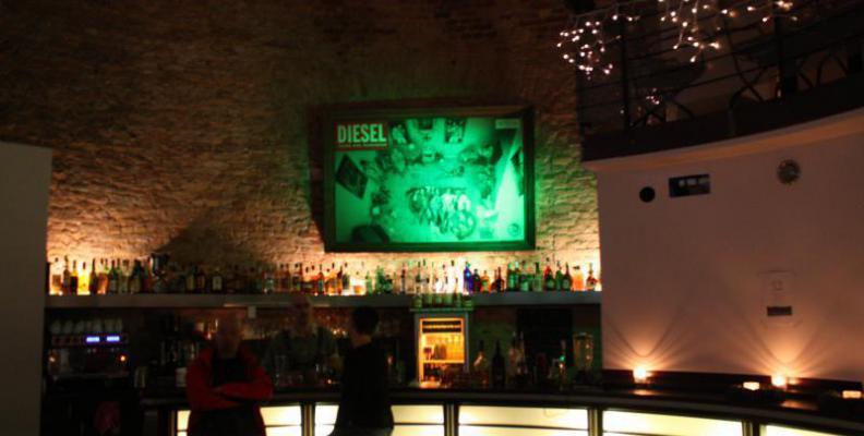 Foto: Bar im Wasserturm