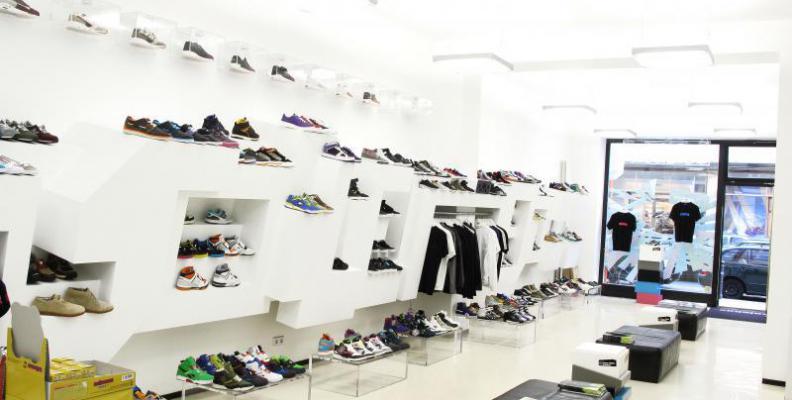 dea48265c40787 Solebox - Sneaker Shops