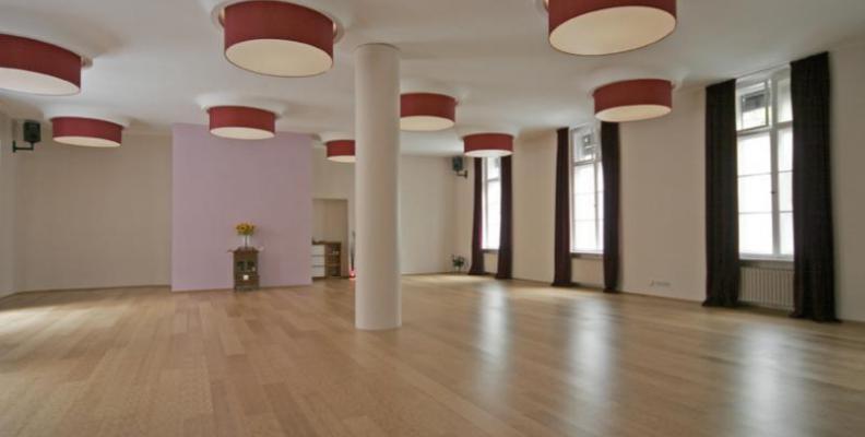 spirit yoga berlin yoga studios top10berlin. Black Bedroom Furniture Sets. Home Design Ideas