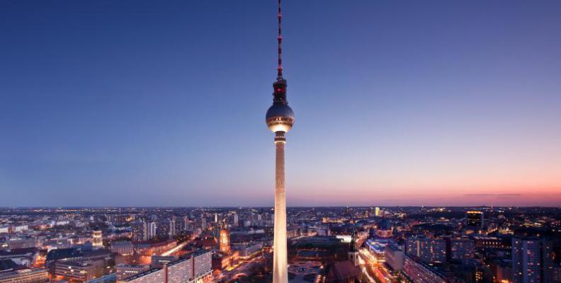 Foto: Berliner Fernsehturm auf dem Alexanderplatz
