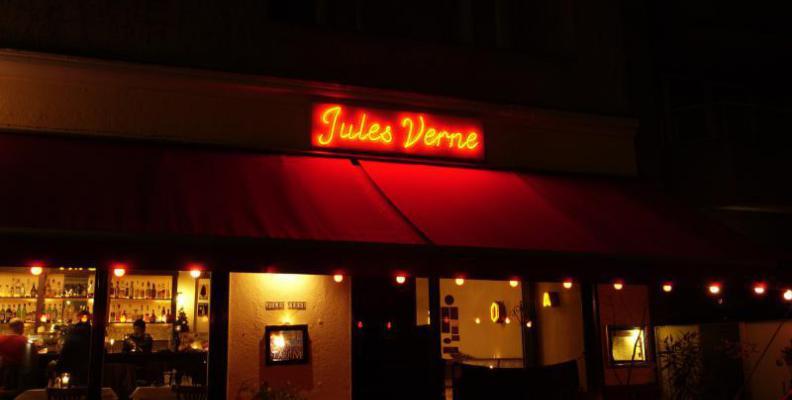 jules verne restaurants for original wiener schnitzel top10berlin. Black Bedroom Furniture Sets. Home Design Ideas