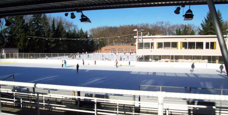 Foto: Eisbahn Neukölln
