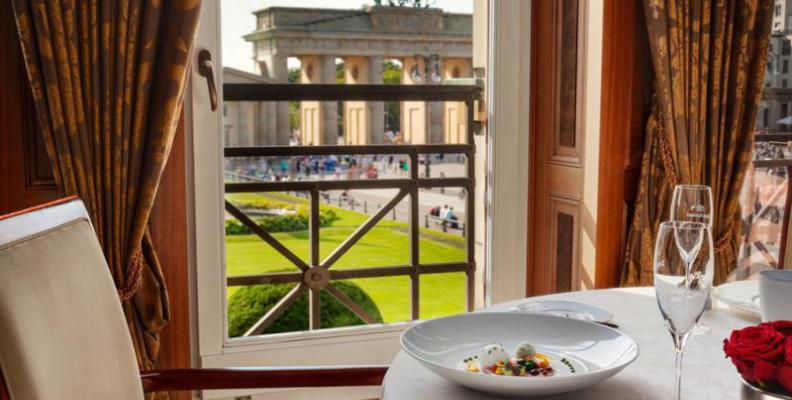 Lorenz adlon gourmet restaurants top10berlin for Esszimmer berlin restaurant