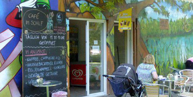 caf im schilf kinderfreundliche caf s und restaurants mit spielplatz top10berlin. Black Bedroom Furniture Sets. Home Design Ideas