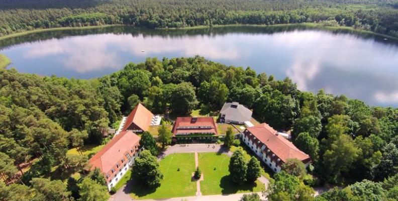 Hotel doellnsee schorfheide hotels am wasser in for Trendige hotels berlin