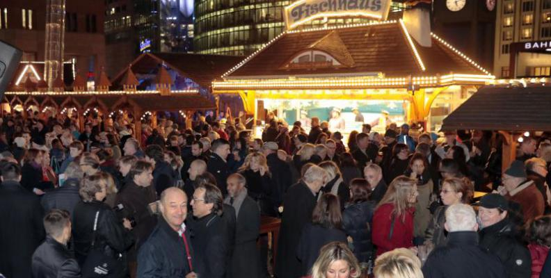 Foto: Winterwelt am Potsdamer Platz   Baganz