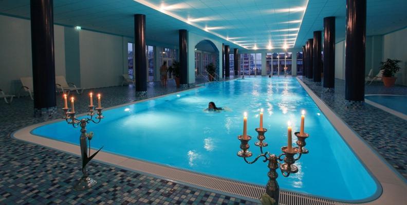 Maritim hafenhotel rheinsberg waterfront hotels in - Indoor swimming pool berlin ...