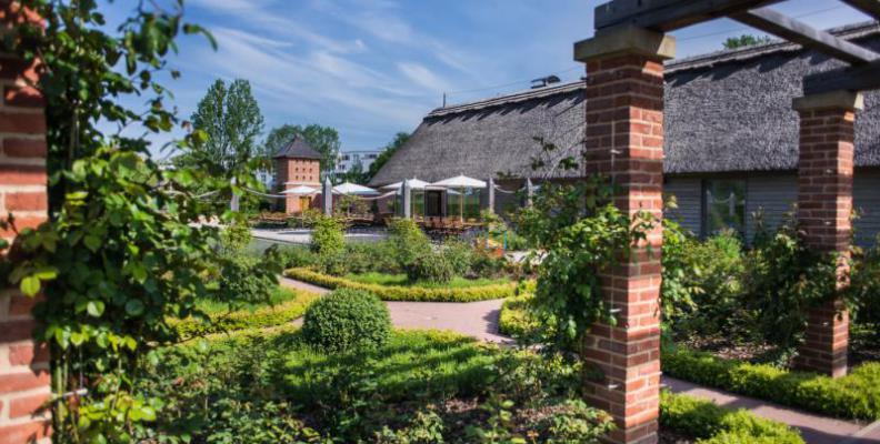 Englisches Cottage the cottage im englischen rosengarten teesalons top10berlin