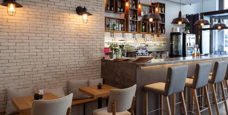 Foto: Hinterhof Café - Restaurant - Weinbar