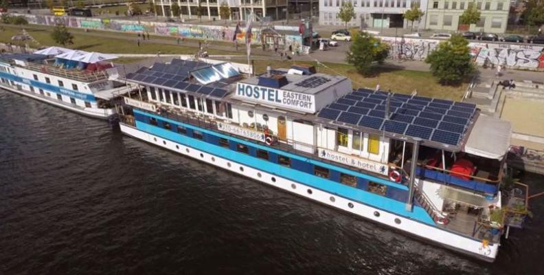 Foto: Eastern Comfort Hostel Boat