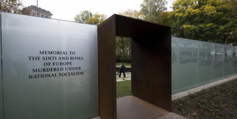 Photo: entrance of the Sinti and Roma Memorial