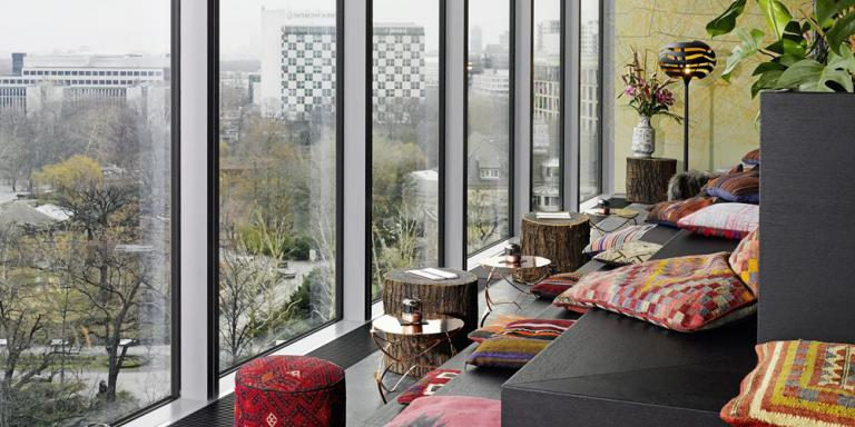 top10 liste bars mit panoramablick und dachterrasse top10berlin. Black Bedroom Furniture Sets. Home Design Ideas