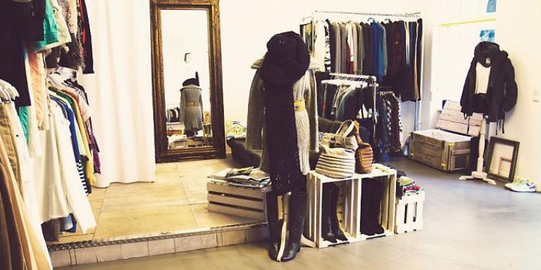 Vintage Fashion Online Shopping