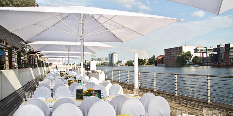 Foto: Café im Universal Osthafen